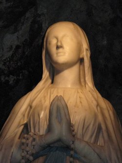 Lourdes31-virgen4