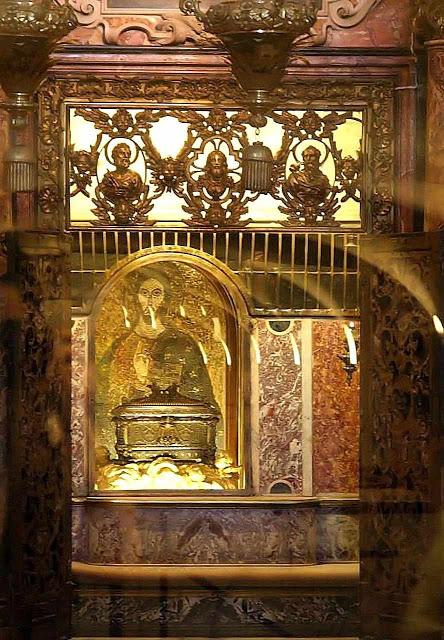 tumba-san-pedro17-Confessio Sancti Petri4
