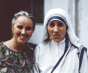madre-teresa-libro-cap1-foto-unica13b-Dr_Anita_Figueredo_and_Mother_Teresa-1966
